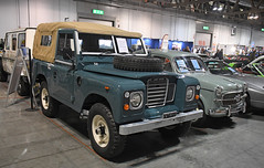Land Rover 88 baché // MI-T72799 (baffalie) Tags: auto voiture ancienne vintage classic old car coche retro expo italia sport automobile racing motor show collection club course race circuit italie milan fiera moto bike motorbike motocycle