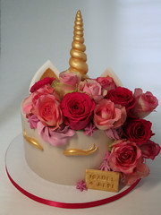 Unicorn Roses Cake (Passione: Cupcakes!) Tags: cake cakedesign cakedecoration unicorn unicorncake roses cakeroses tarta tartadecorada tartaunicornio torta tortadecorata tortaunicorno unicornio unicorno