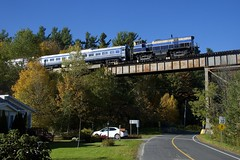 MLW endcab (Michael Berry Railfan) Tags: orfordexpress train passengertrain sherbrookesub cmq centralmaineandquebecrailway easterntownships oexx26 m420tr montreallocomotiveworks