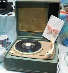 Electrophone des sixties (Sokleine) Tags: vintage sixties années60 électrophone tournedisque boutique shop collector trevise veneto vénétie italia italie italy europe