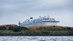 Hamburg Hafen (Stefan Giese) Tags: aida perla aidaperla fujixt2 fuji xt2 fujilove hamburg hafen harbour infrastructure infrastruktur