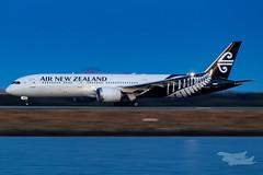 ZK-NZL NZ B789 34L YSSY-8396 (A u s s i e P o m m) Tags: sydney newsouthwales australia airnewzealand na boeing b789 syd yssy sydneyairport