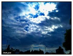 Resiste el invierno (Claudio Andrés García) Tags: clouds nubes cielo sky naturaleza nature skyscape cloudy nubosidad ciudad city primavera springs fotografía photography smartphone cellphone picture shot