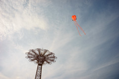 Squid (dtanist) Tags: nyc newyork newyorkcity new york city sony a7 7artisans 35mm brooklyn coney island kite flying squid sky parachute jump tower clouds