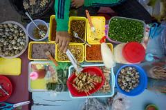 Banh trang (kuuan) Tags: voigtländerheliarf4515mm manualfocus mf voigtländer15mm aspherical f4515mm superwideheliar apsc sonynex5n saigon hcmc vietnam street cana food streetfood stall banhtrang pov arealview