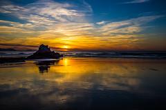 Baskenland0175Sopela (schulzharri) Tags: baskenland basque spanien spain espana bilbao reise travel strand beach meer ocean atlantik sonnenuntergang felsen rock water himmel wasser sky