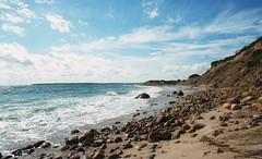Clay Head (neilsonabeel) Tags: blockisland rhodeisland newengland beach ocean wave water sea nikonfe2 nikon nikkor film analogue