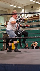 2019-10-13_17-49-42_ILCE-6500_DSC07386 (Miguel Discart (Photos Vrac)) Tags: 2019 70mm bendamage catch charleroi combatdelutte dampremy e2875mmf2828 focallength70mm focallengthin35mmformat70mm highiso ilce6500 iso5000 lutte rafaelbelmont sony sonyilce6500 sonyilce6500e2875mmf2828 sport strapmatchcontractonapole wac wrestling wrestlingalliancecompany wrestlingmatch