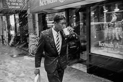 West 54 Street, NYC 1994 (espaciosparaelarte) Tags: fotografía fotografia foto fotoperiodismo fotográfica exposición exposiciones espacio expo espaciosparaelarte exposicion nuevayork nyc joséantoniocarrera salacanalisabelii canal