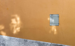 Tâches. [Dirt] (Adrien GOGOIS) Tags: wall minimal minimalist minimalism less windows orange colorful colors diagonal line geometry light reflect reflexion nice france samyang umc cs 35mm f12 manual fast prime standard corean lens city scape urban street