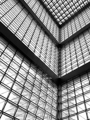 (in.the_._void) Tags: shotoniphone geometry perspective singaporearchitecture architecture blackandwhite blackandwhitephotography minimalist minimalistphotography