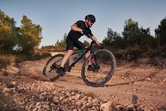 BTT (Adrià Cabo) Tags: btt mtb godoxad600 race rider strobe hss