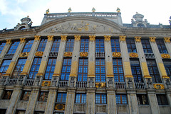 House of the Dukes of Brabant (zawtowers) Tags: brussels bruxelles belgium capital city exploring holiday break saturday 12th october 2019 grand place grote markt landmark square iconic unesco world heritage site tourist attraction central feature house dukes brabant gold