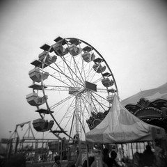 Ferris Wheel (Alex Luyckx) Tags: urban ontario canada town downtown fair milton fallfair historicdowntown fall 120 6x6 sunrise mediumformat square holga freestyle pointandshoot viewfinder holga120n miltonfallfair opticallens18f60mm holgaweek kosmofoto holgaweek2019 bw film blackwhite kodak 10 stock d76 asa100 fomapan100 filmphotography kodakd76 epsonv700 mono100 believeinfilm adobephotoshopcc kosmofotomono100 filmisnotdead filmisalive