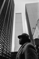 Broadway & Cortlandt Street, NYC 1994 (espaciosparaelarte) Tags: fotografía fotografia foto fotoperiodismo fotográfica exposición exposiciones espacio expo espaciosparaelarte exposicion nuevayork nyc joséantoniocarrera salacanalisabelii canal