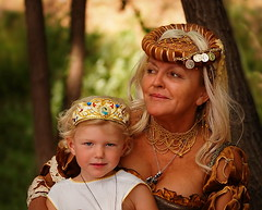 The queen and her little princess (Marija Mimica busy!!!) Tags: people person portrait colors persona yourbestoftoday