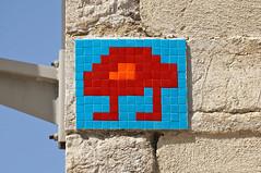 Marseille Saint-Charles (MARS_01) (Meteorry) Tags: europe france paca provencealpescôtedazur provence bouchesdurhône marseille spaceinvader spaceinvaders invader invaderwashere tiles carrelage carreaux mur wall street rue art artderue pixels mars01 reactivastion reactivated ruehonnorat saintcharles gareroutière mosaïques august 2019 meteorry