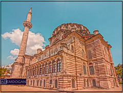 ISTANBUL (01dgn) Tags: istanbul lalelicamii lalelicamisi lalelimoschee lalelimosque holy mosque moschee travel sky clouds colors europa europe avrupa weitwinkel wideangle canoneos77d
