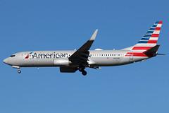 N937NN American 737-823W at KCLE (GeorgeM757) Tags: n937nn boeing 737823w american aircraft aviation airplane airport kcle georgem757 canon70d landing