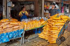 Bangkok – Marigold flowers (Thomas Mulchi) Tags: wongwienlek photowalk 2019 bpg bangkokphotographersgroup bangkok thailand phranakhon phranakhondistrict flowermarket flower flowers plant marigold marigoldflowers people man woman person persons bangkokmetropolitanregion