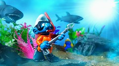 Danger in the deep (custombase) Tags: schleich thesmurfs smurfs figures scooba diver smurf mermaid smurfette sharks underwater seabed diorama toyphotography