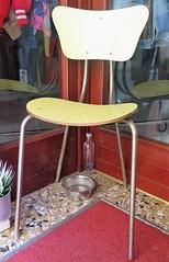 Chaise en Formica des années 60 (Sokleine) Tags: vintage siège chaise chair formica sixties boutique shop shopping bassanodelgrappa veneto vénétie italia italy italie europe objet