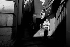 Flashlight. (Adrien GOGOIS) Tags: street people old man smartphone light shadow social city urban life scape grand father french riviera town wall black white monochrome bw fuji xmount xc zoom 1545 ois xt10 fujifilm 1545mm