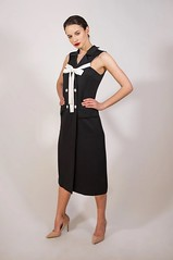 """Sleeveless Black Vest Online 