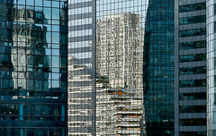 Face à façade (Le.Patou) Tags: paris ladéfense fz1000 scape city cityscape business parvis building architecture challengesurflickr reflection reflet reflect reflexion mirror miroir cof081dmnq cof081mark cof081mcas cof081patr cofo81cott cof081ettigirbs cof081mire cof081pryx cof081uki cof081chri urban street cof081nico cof081gals
