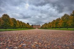 Autumn at Beningbrough Hall. (Darren Speak) Tags: road beningbroughhall autumn york