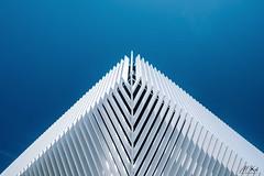 Rouvignies_O819-5-2 (Mich.Ka) Tags: abstract abstrait architecture architecturemoderne bâtiment bâtimentgraphique blanc bleu hautsdefrance ligne line nord nordpasdecalais rouvignies urbain urban white