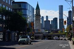 Toronto - Yonge Street (guidoa58) Tags: guidoa58 viaggio canada ontario toronto metropoli grattacieli architettura street building traffico fiat500 torre orologio canadianpacificrailway downtown campanile