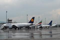 Airbus A320-211 D-AIPE Lufthansa (EI-DTG) Tags: sofia bulgaria 22jun2019 sof daipe lufthansa a320 airbus320
