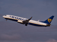 EI-GDI: Ryanair Boeing B737-800 (alex kerr photography) Tags: egcc manchesterairport airport airlines aviation planespotter passengerjet passengerplane airliner