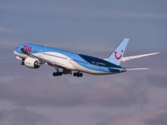 G-TUIL - TUI Airways - Boeing 787-9 Dreamliner (alex kerr photography) Tags: egcc manchesterairport airport airlines aviation planespotter passengerjet passengerplane airliner