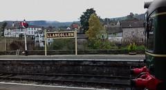 Llangollen Station 151019_102339 (Leslie Platt) Tags: exposureadjusted straightened llangollenrailway llangollenstation wickham