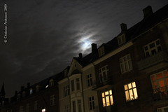 ... Struck by the Moon ... (ChristianofDenmark) Tags: christianofdenmark copenhagen denmark autumn ljerka night
