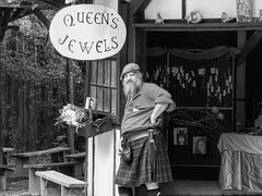 Angus Grins, 87/100X (clarkcg photography) Tags: blackandwhite bw blackwhite castleofmuskogee angus kilt scottish beard man queensjewels 100xthe2019edition 100x2019 image87100