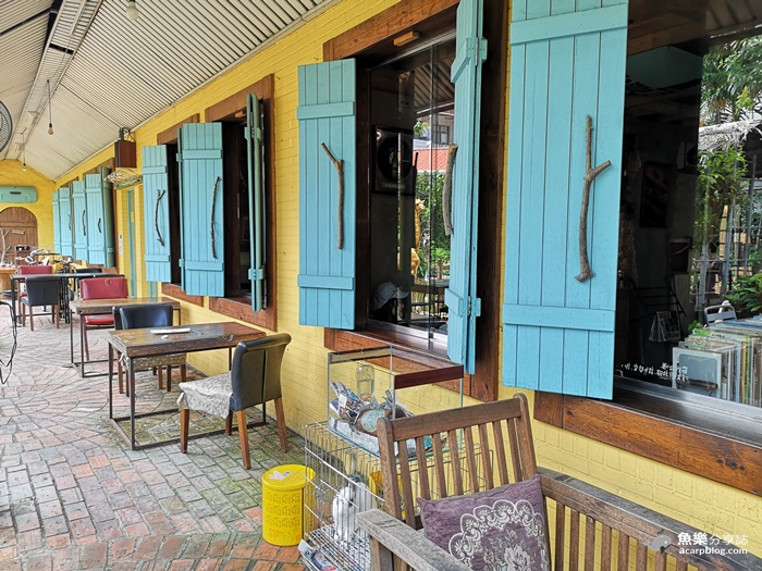 【高雄小港】奧斯汀人文咖啡 austin coffee|小港站景觀餐廳 @魚樂分享誌