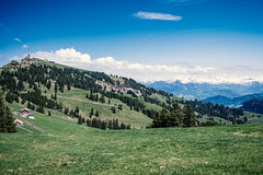 Auf dem Rigi VIII (manganite) Tags: 3exp nikon nikonz nikonz6 z6 alpen alps berge cloud clouds digiart dslm europa europe frühling fullframe gebirge hdr hdri highdynamicrange jahreszeiten landscape meadows mirrorless mountains nature naturephotography outside photographer rigi schweiz schweizeralpen schwyz season seasons sky spring suisse svizra svizzera swiss swissalps switzerland tal täler valleys wiesen wolken manganite lightroom f10 iso100 24mm nikkorz2470mmf4s 2019