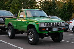 1983 Toyota Truck (mlokren) Tags: inexplore explored explore 2019 car spotting photo photography photos pic picture pics pictures pacific northwest pnw pacnw oregon usa vehicle vehicles vehicular automobile automobiles automotive transportation outdoor outdoors 1983 toyota pickup truck green john deere