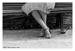 """""""Figures Libres à Paris 184"""" (TBWLC Photography) Tags: fdrouet tbwlc nb bw monochrome street femme woman nikon d610 paris"""