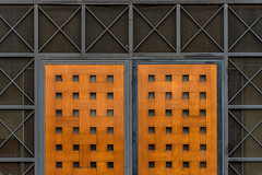 Red twins (jefvandenhoute) Tags: belgium belgië brussels brussel light geometric shapes red wall
