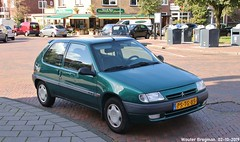 Citroën Saxo 1.4i 1996 (Wouter Bregman) Tags: pstg85 citroën saxo 14i 1996 citroënsaxo vert green santpoorterplein haarlem nederland holland netherlands paysbas french youngtimer car auto automobile voiture ancienne française france frankrijk vehicle outdoor
