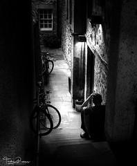 (Thodoris Rammos) Tags: street streetlife blackandwhite dark light atmosphere city citynight noir night edinburgh close alone man monochrome black white mood people