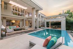 _80A7205 (TonivS) Tags: antonvanstraaten luxuryhome luxuryliving upmarkethomes upmarketliving architecture pooldeck pool poollounge deckchairs