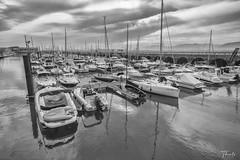 El Muelle (therlo28) Tags: barco barcos agua puerto puertochico santander mar bahia bw blancoynegro blackandwhite