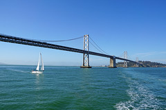 Bay Bridge - San Francisco, CA (SomePhotosTakenByMe) Tags: baybridge bridge brücke redandwhitefleet cruise bootstour bridge2bridge usa america amerika unitedstates california kalifornien sanfrancisco outdoor stadt city boot boat sailboat segelboot