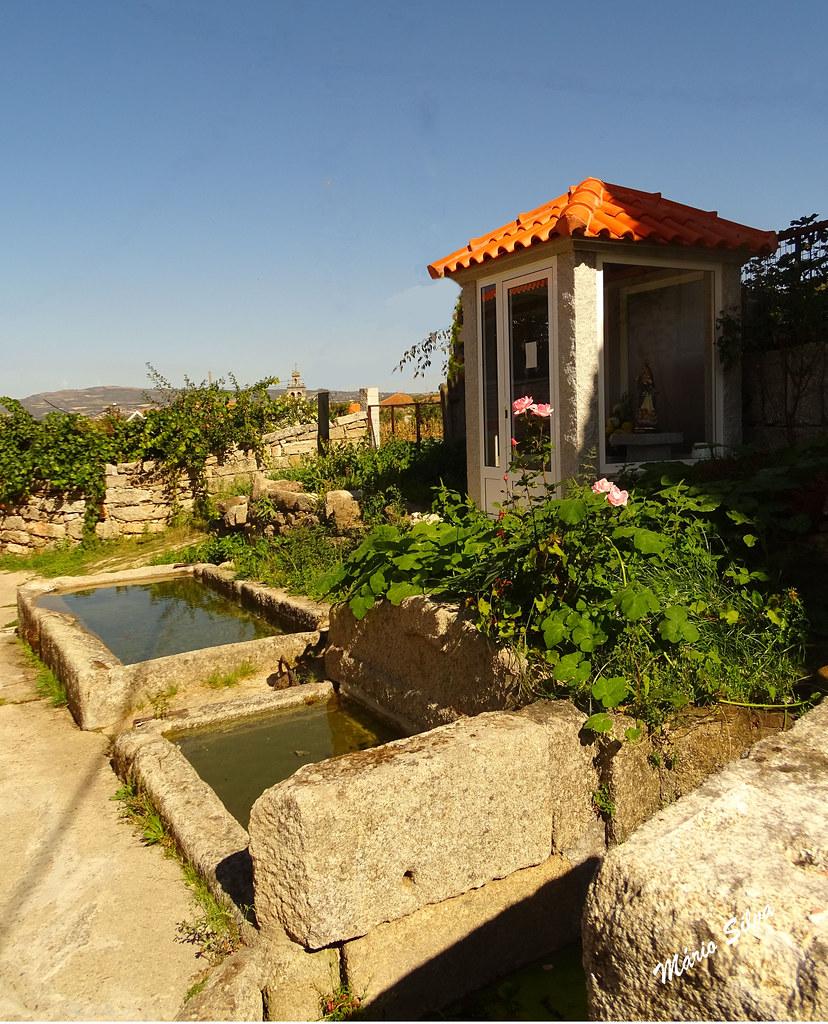 Águas Frias (Chaves) - ... a fonte, os tanques e o nicho da N.ª Sr.ª dos Prazeres, em Cimo de Vila ...
