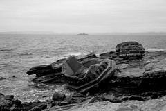 N0922019 (toshyie) Tags: adoxsilvermax leicam6 silvermaxdev summaronm35mmf28 sea warship ruin monochrome bnw black white japan モノクローム
